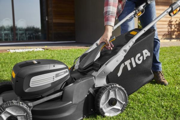 Stiga Twinclip 950 SQ AE Accu Grasmaaier 13